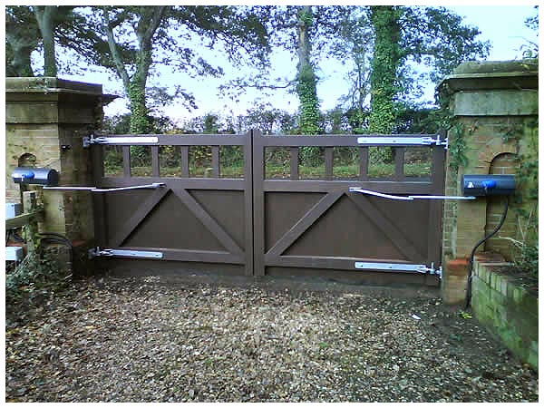 Impressive Automated Gate Installation , Repair & Servicing | HFS Gates 600 x 450 · 76