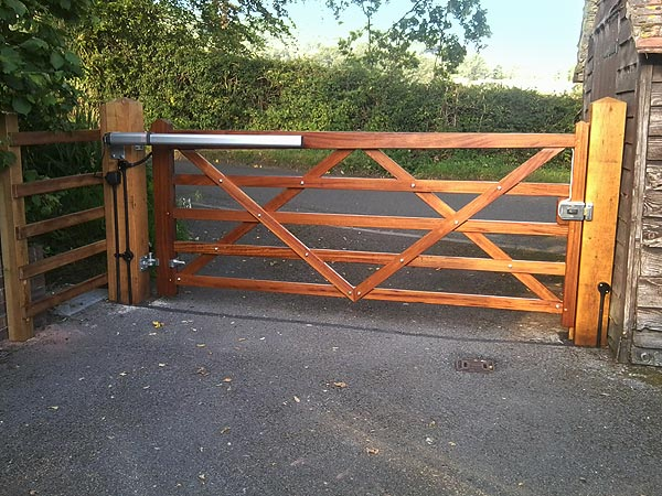Gate opener wooden automatic gates for Wood driveway gate plans